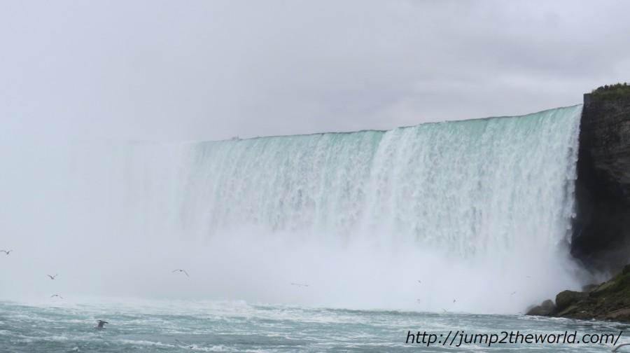 カナダ滝を霧の乙女号から ナイアガラフォールズ