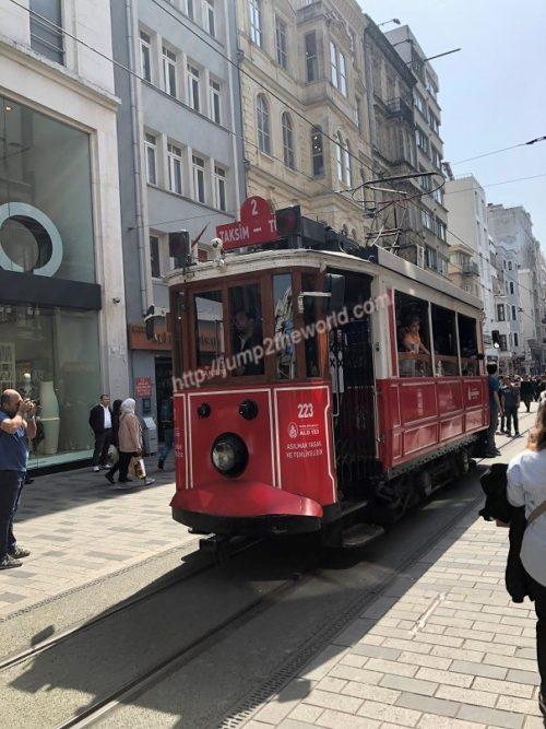 istiklalcaddesi_tram