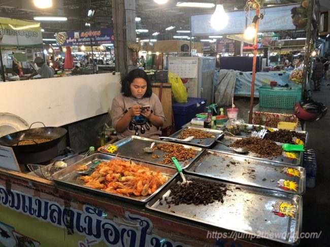 night market in Korat1