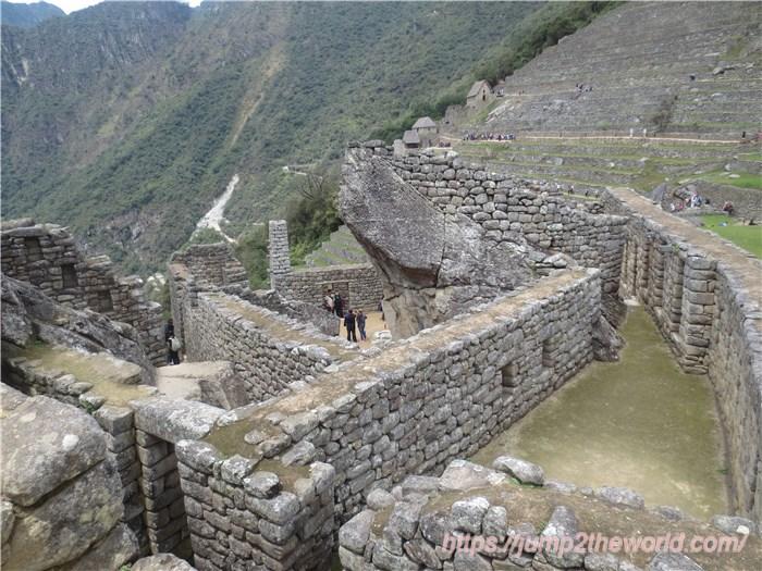 マチュピチュ コンドルの神殿
