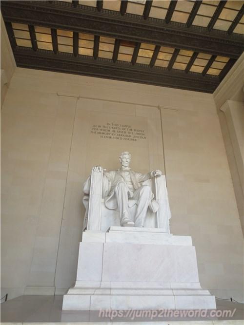リンカーン座像
